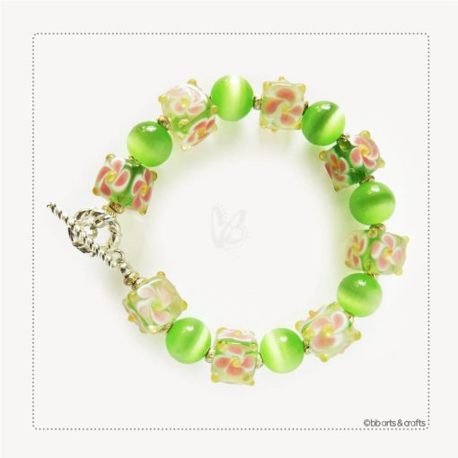 Green Floral Glass Cube Round Tiger Eye Beaded Bracelet