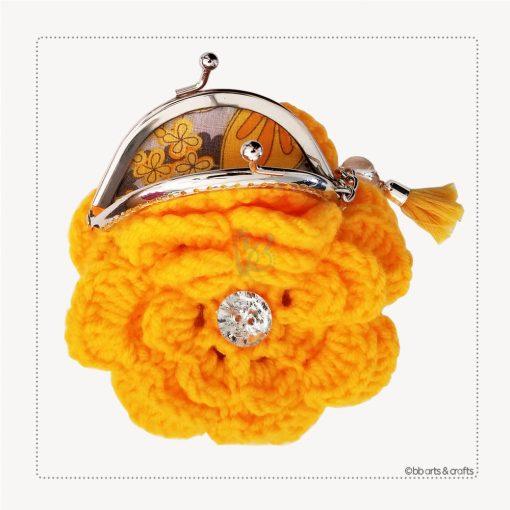 Crochet yellow flower coin purse interior