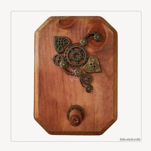 Steampunk rectangulat keyholder